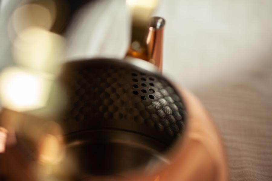 銅のやかん